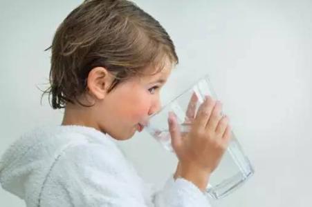 一分钟带你了解喝直饮水的好处