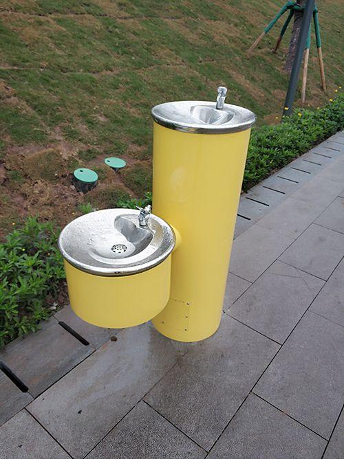 户外也能随时喝水:重庆公园里的滤中滤户外饮水台